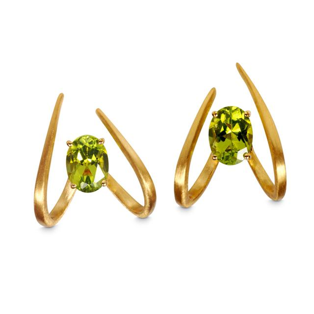 Swoonery-Le Phoenix Single Claw Peridot
